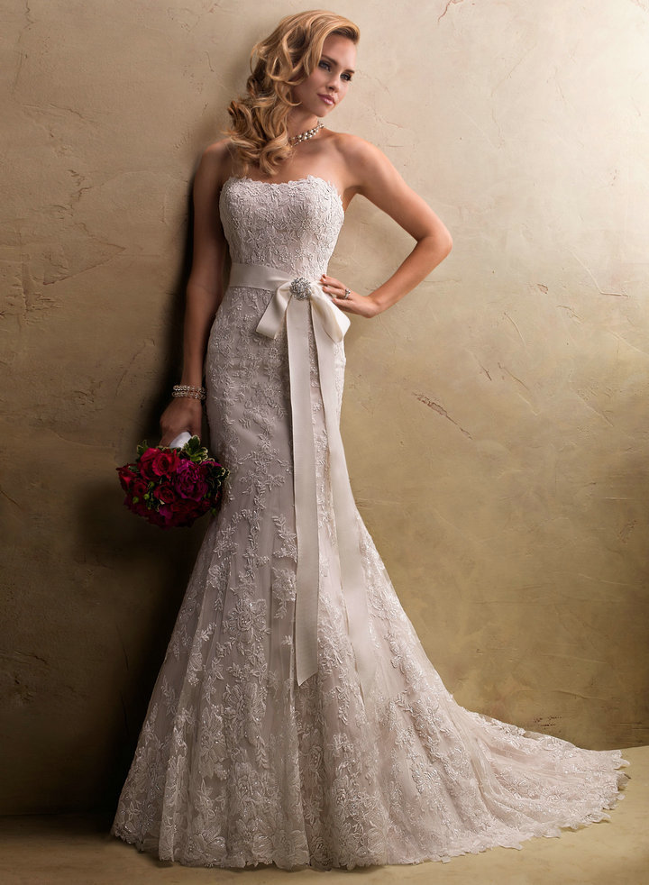 Vestiti Da Sposa Avorio.Il Significato Del Colore Dell Abito Da Sposa Wedding Langhe E Roero