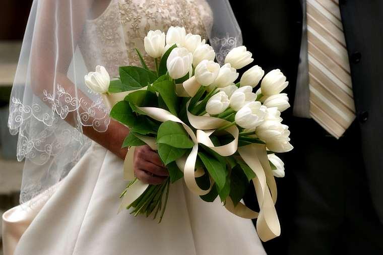 bouquet-sposa-tulipani-bianchi.jpg