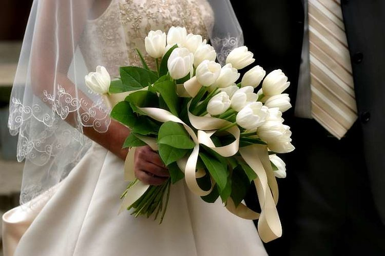 Bouquet Sposa Tulipani.Fiori Tendenze Per Il 2017 Wedding Langhe E Roero