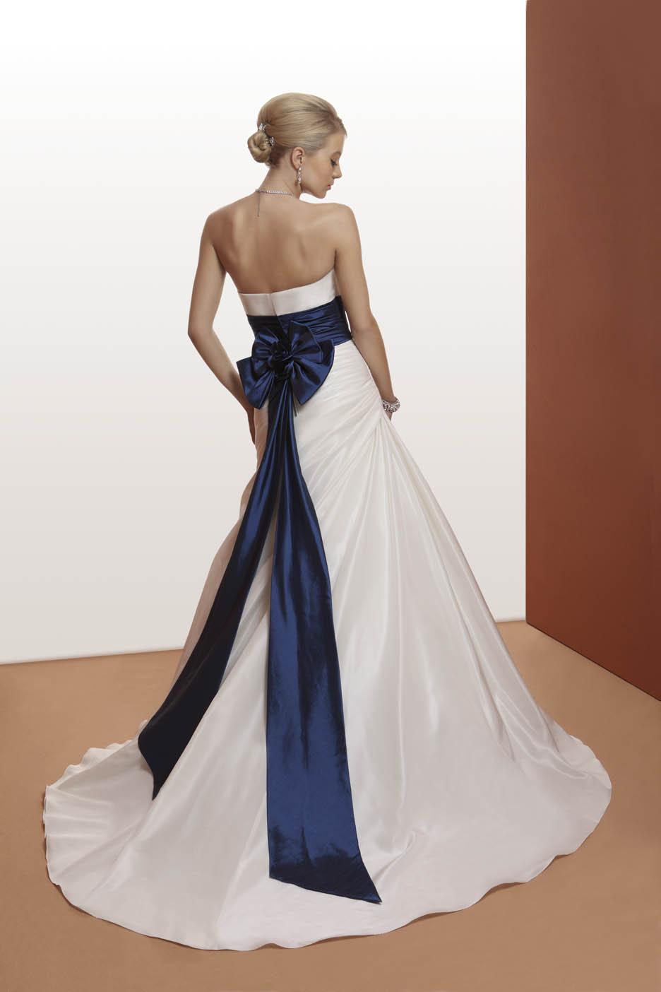 abito da sposa oggetto colore blu tradizione
