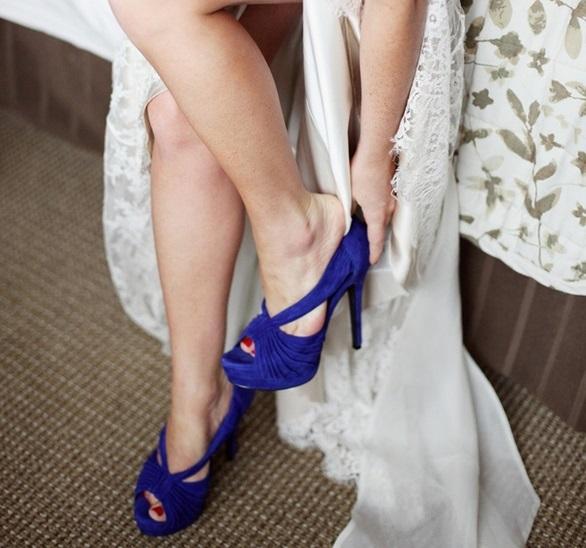 scarpe sposa abito elemento blu tradizione