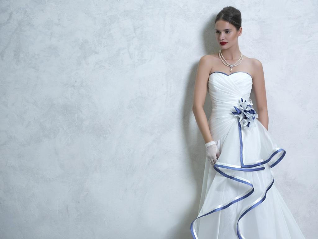 abito blu sposa inserti tradizione