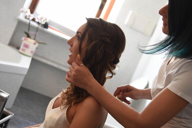 8estetica sposa sposo il tuo benessere bra langhe e roero cura sposi bellezza matrimonio in langa gioconda moschiano acconciatura capelli sposi colore capelli.jpg