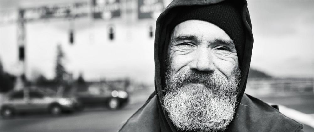 Homeless invitati al ricevimento nuziale