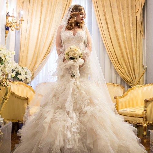Abiti Da Sposa Degli Anni 90.Il Lungo Viaggio Dell Abito Da Sposa Nella Storia Wedding Langhe
