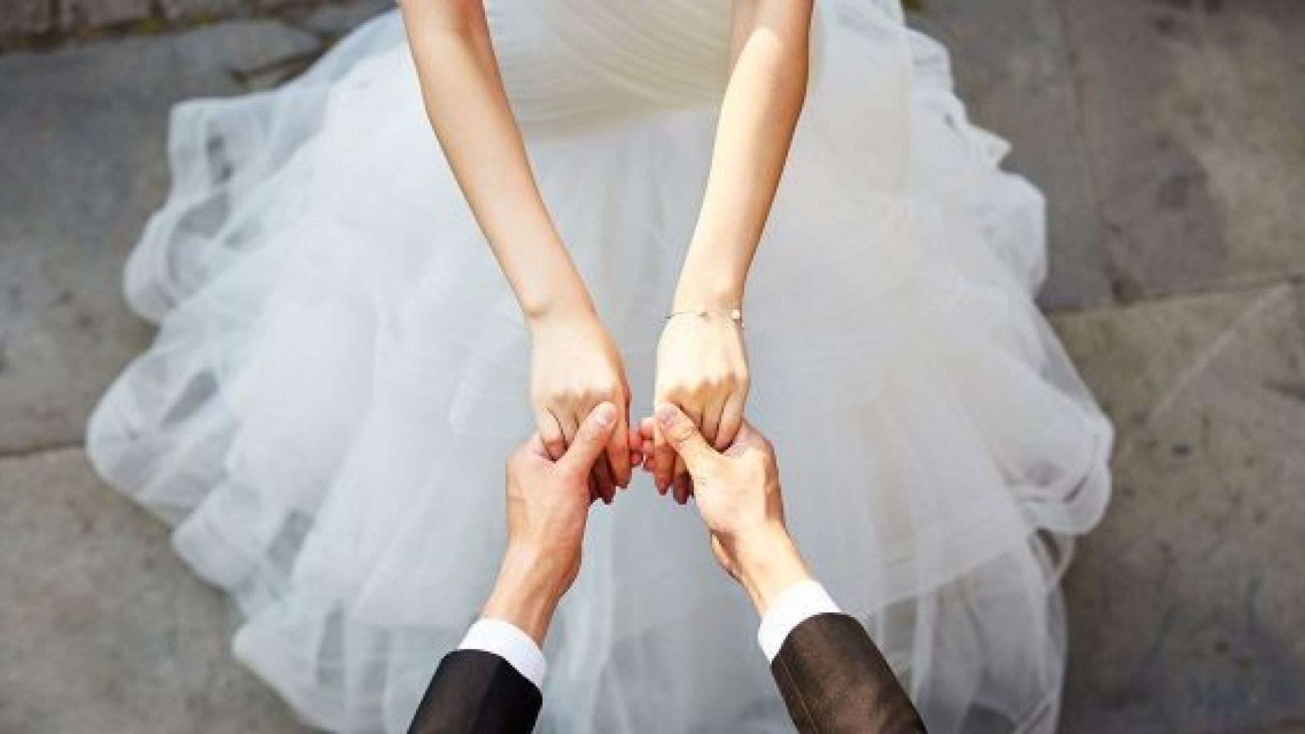weddinglangheroero-tendenze abito sposa 2019.jpg