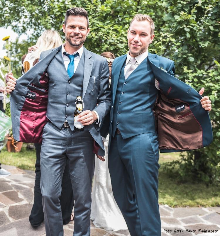 Rotknopf_Hochzeitsanzug_Galanis1.jpg