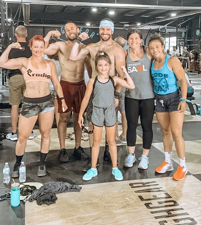 Happy Monday people!!!! 💪🏼💪🏼💪🏼 ••• This past weekend we had plenty of friends from different CrossFit communities around compete at the annual @buckeyegames2019 hosted by @crossfithighgear. What we love most about these local events are the positive and genuine people that clap, cheer, and push one another to the very end ••• We are all competitors in one way or another but what's unique are the people that continue to be one for others in every way. Whether it's the high five clap after an event, a sweaty hug celebrating a job well done, and cheers from strangers that you may not know but they are with you till the end👏🏻👏🏻 ••• Everyone has their own personal purpose and reason for what they do...whatever that reason is let's continue to cheer, support, and elevate one another towards those goals! We're in this together🙏🏼 Congratulations to all of the success that was made this past weekend!