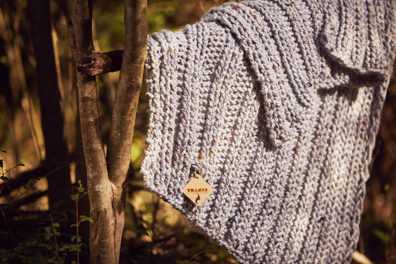RIBBETJIE BLANKET   Hand knitted using mega-chunky yarn and needles