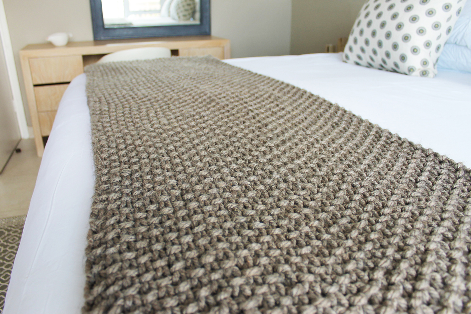 FOREST MOSS STITCH BLANKET   Hand knitted using mega-chunky yarn and needles