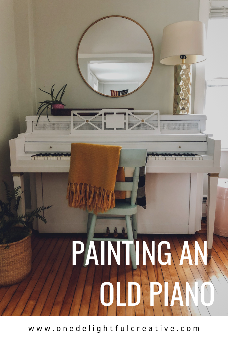 how to paint an old piano / onedelightfulcreative.com #piano #chalkpaint
