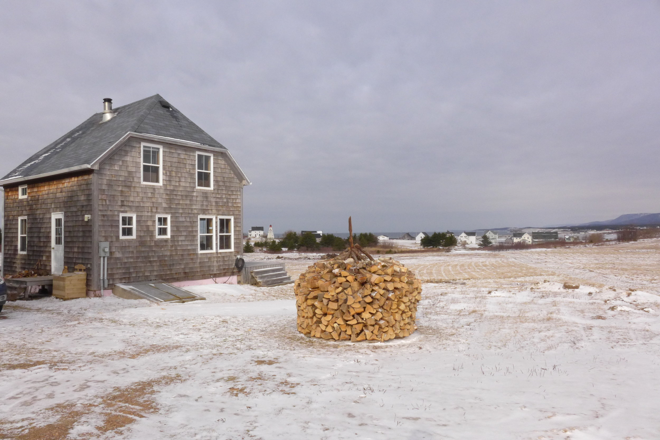 Cape Breton: Holz Hausen (end) 2015