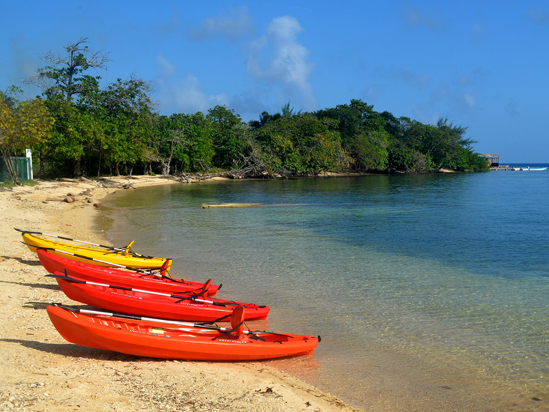 Calabash_Roatan_Activities_Canoes.jpg