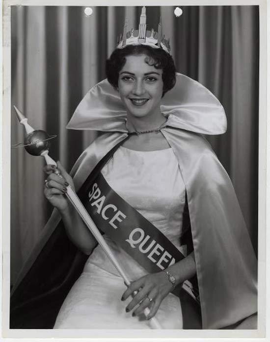 space-queen-strange-vintage-beauty-queens