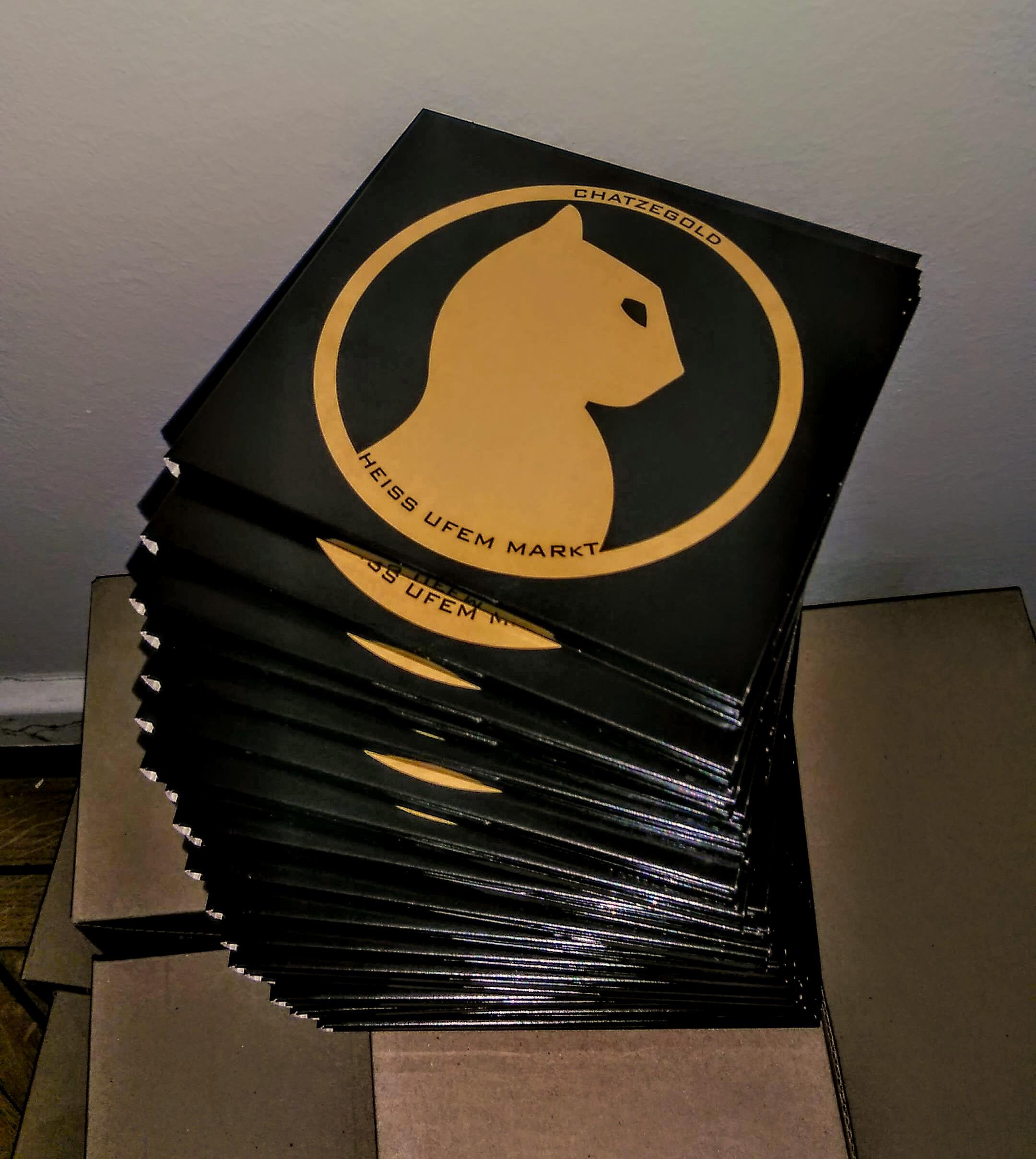 CD kaufen bei: Atlantis Records (Basel), Bro Rec (St.Gallen), Z-Records (St.Gallen), Ventilator Records (Winterthur), Jama Records (Zürich), ZeroZero (Zürich), Rec Rec (Zürich)  Onlilne: itunes,google,spotyfy etc.