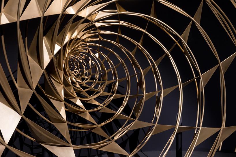 olafur-eliasson-contact-fondation-louis-vuitton-paris-designboom-07.jpg