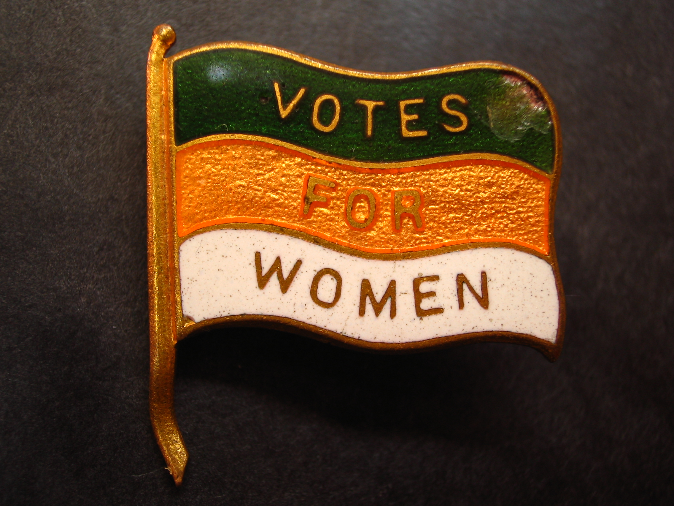 Votes_for_Women_lapel_pin_Nancy.jpg