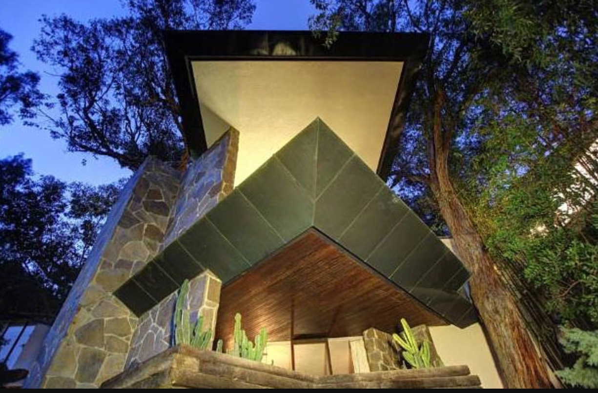 John Lautner.Wolff House in Hollywood (1961).