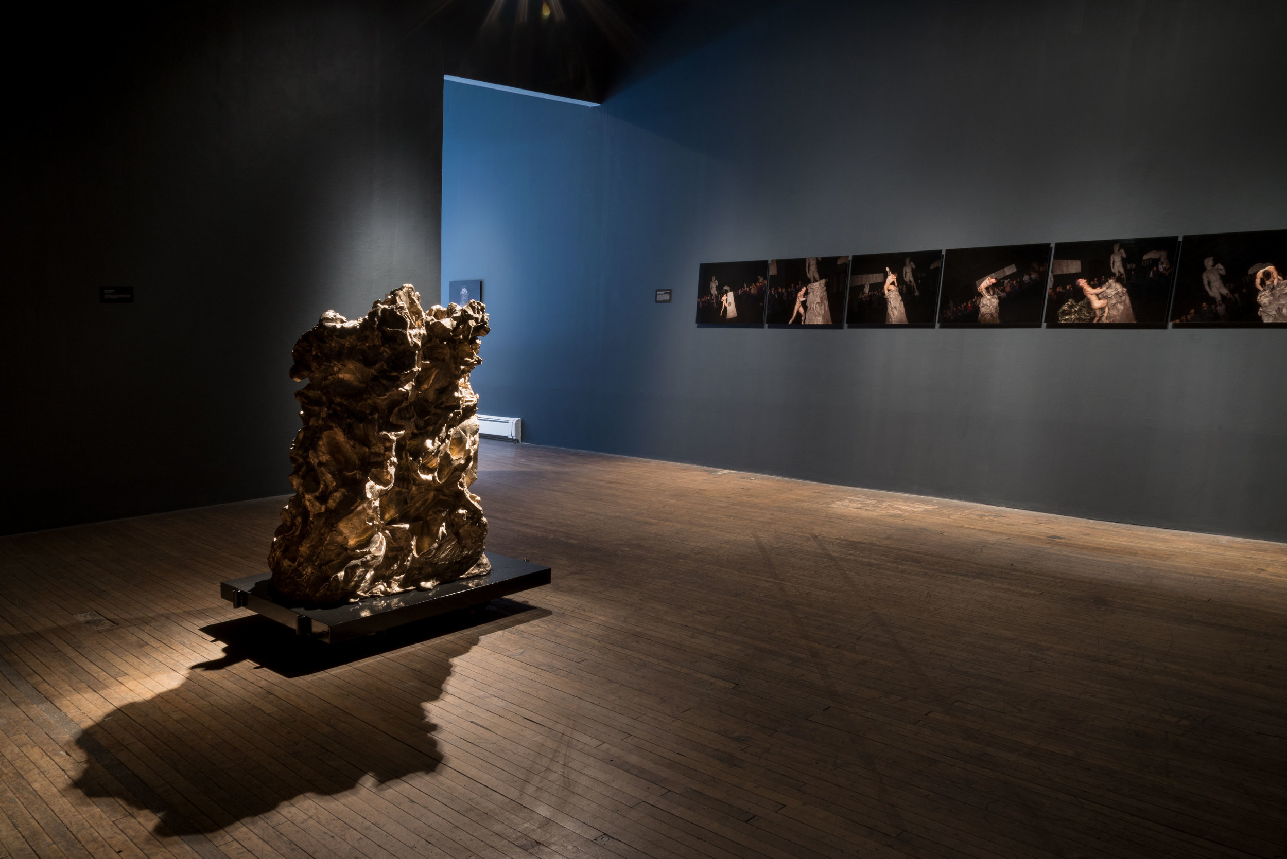 "CASSILS. INSTALLATION VIEW ""MONUMENTAL"" (2017). COURTESY THE ARTIST AND RONALD FELDMAN GALLERY, NEW YORK. PHOTO MEGAN PAETZHOLD."
