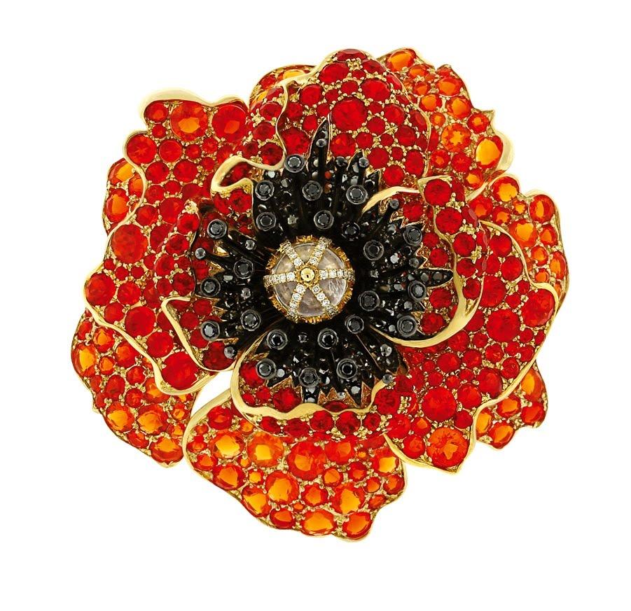 Poppy, Paula Crevoshay, 2012. Opal, moonstone, black diamond, diamond, gold. Courtesy of Crevoshay Studio.