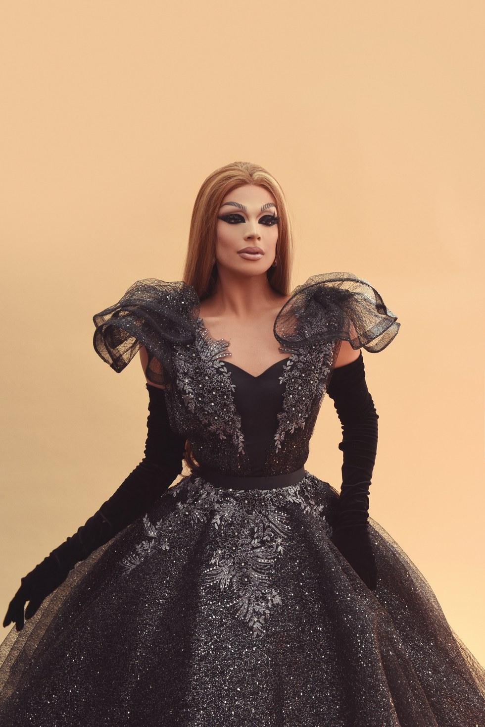 Valentina black lace pc AlexCordova.jpg