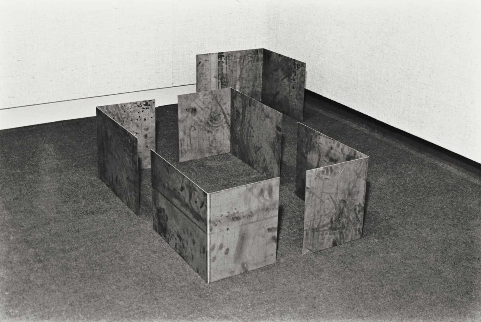 Lee Ufan,  Relatum , 1974. © Artists Rights Society (ARS), New York / ADAGP, Paris. Courtesy the artist.