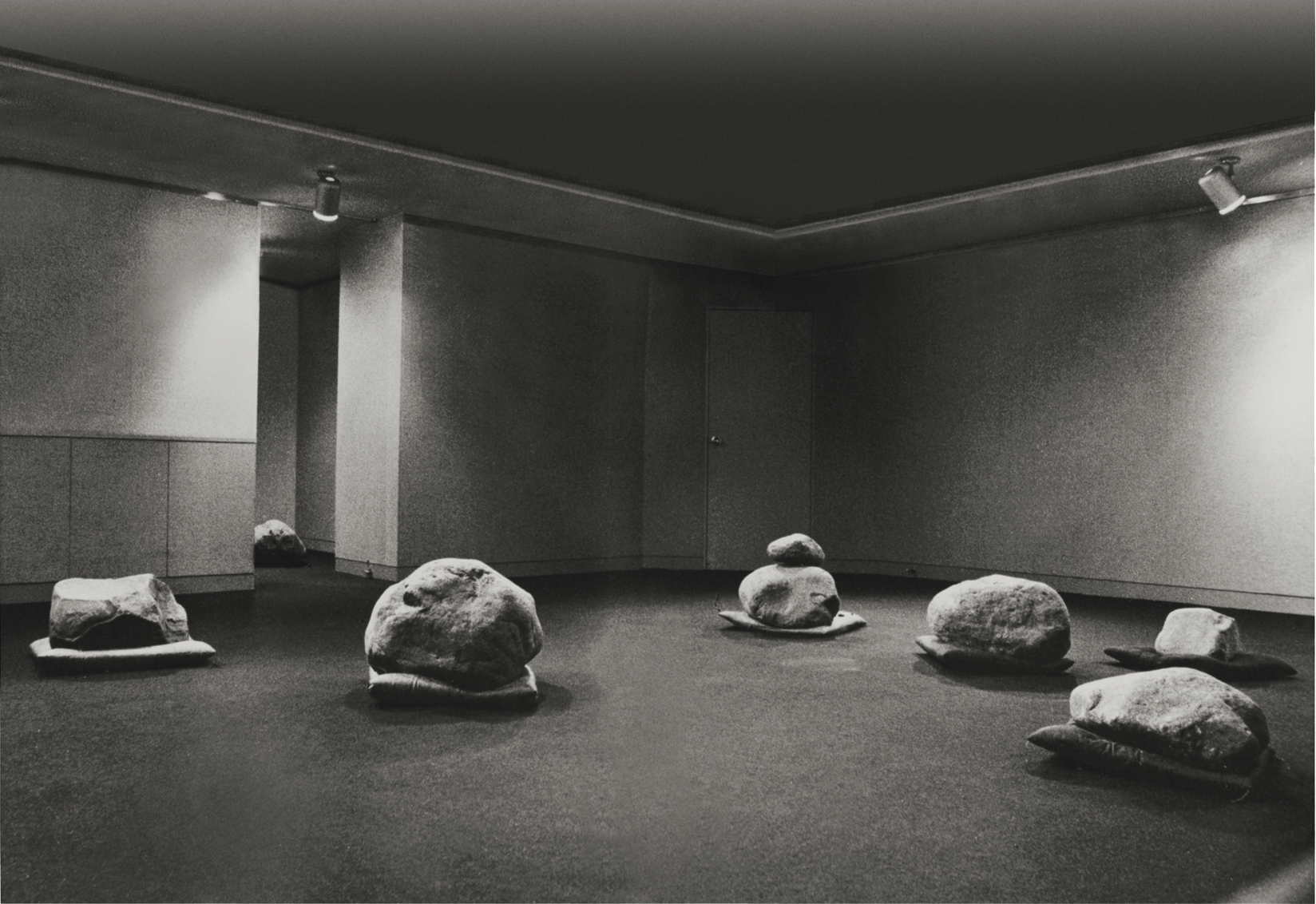 Lee Ufan, Relatum (formerly Language ),1971, installation view: Pinar Gallery, Tokyo, 1971.© Artists Rights Society (ARS), New York / ADAGP, Paris.Courtesy the artist