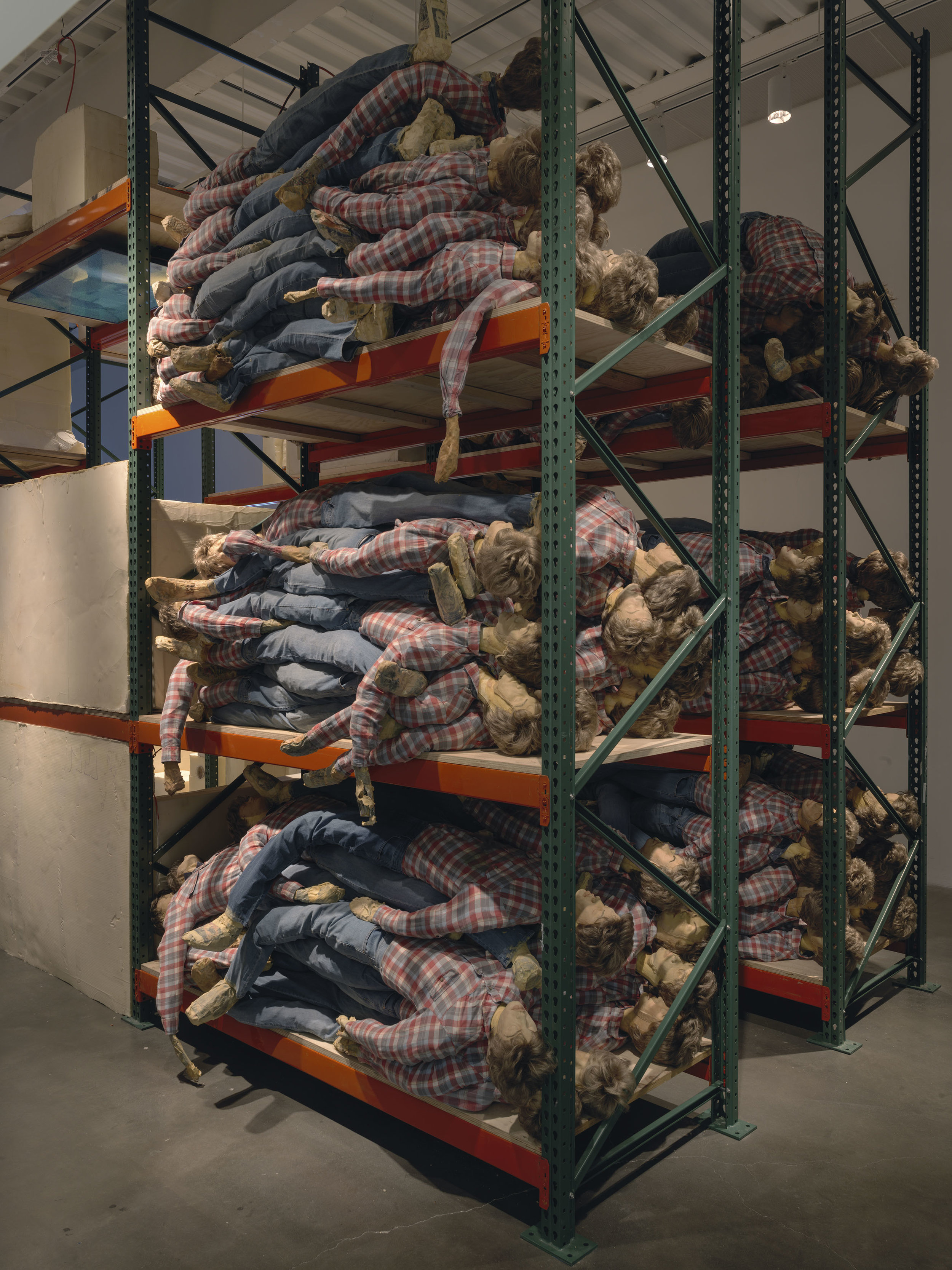 """KAARI UPSON. """"HERS"""" (2016-2017). STEEL SHELVES, LATEX, SYNTHETIC HAIR, ACRYLIC, FABRIC, PAPER, URETHANE FOAM, DUCT TAPE, CAT HAIR AND DEBRIS. DIMENSIONS VARIABLE. © KAARI UPSON. COURTESY OF THE ARTIST, SPRÜTH MAGERS AND MASSIMO DE CARLO. PHOTO BY MARIS HUTCHINSON / EPW STUDIO"""