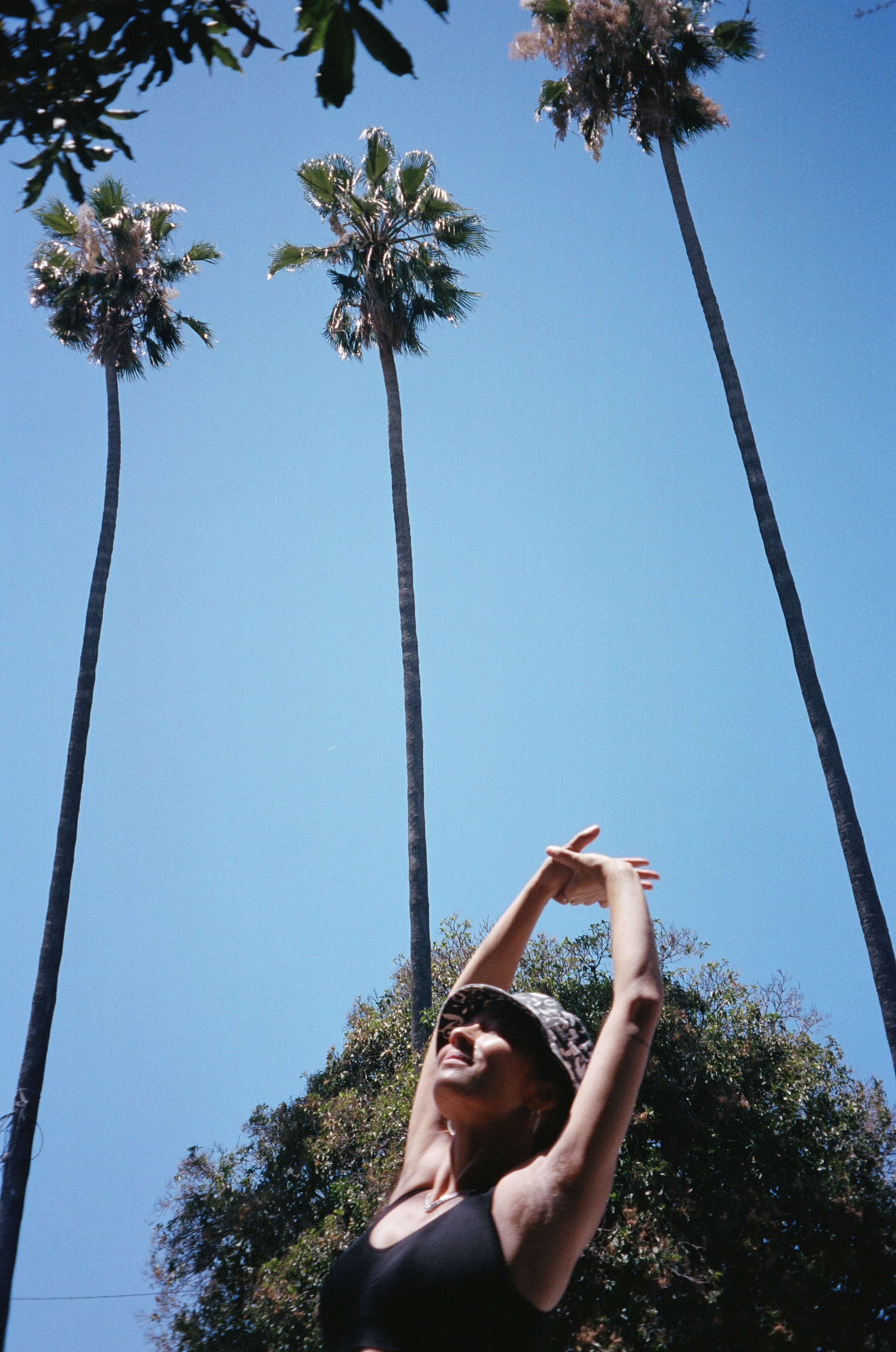 In the morning I wake up to baby blue skies feeling thankful and I head to nearby Hollenbeck Park for some exercise.