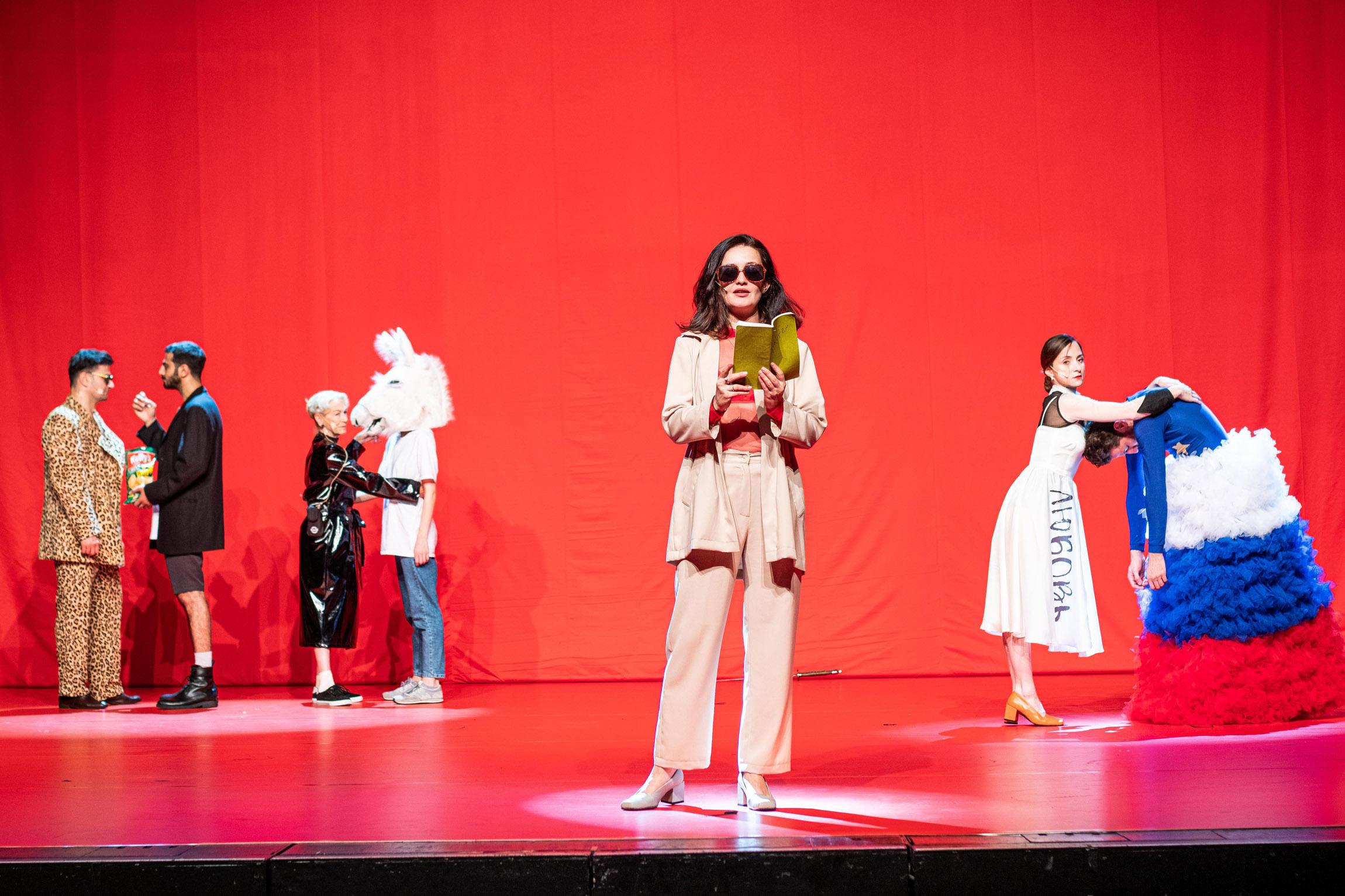 Keti Chukhrov / Guram Matskhonashvili,  Global Congress of Post-Prostitution , 2019, performance, Orpheum Graz, photo: Mathias Völzke