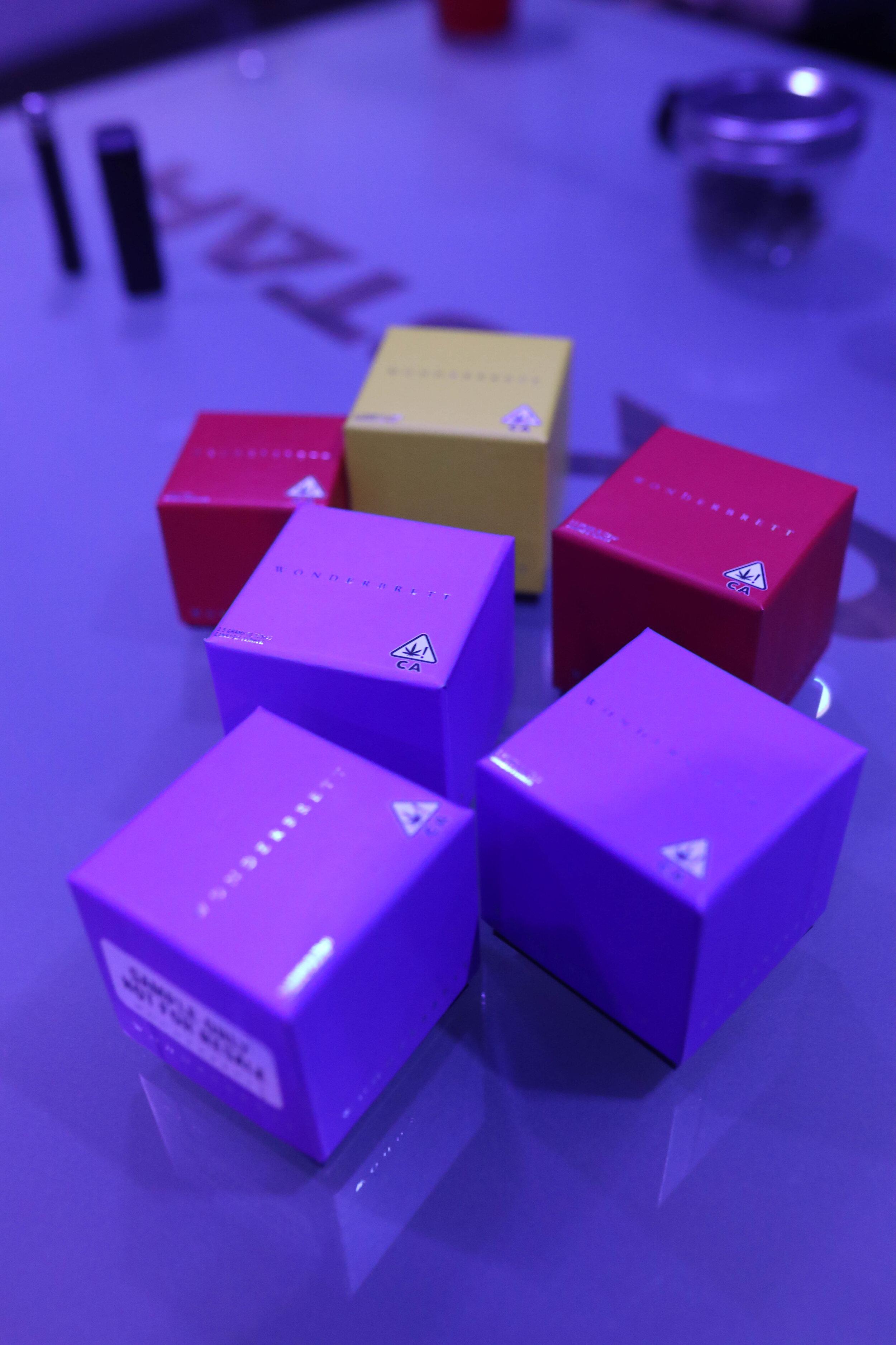 Wonderbrett's signature color-block boxesFLAUNT.JPG