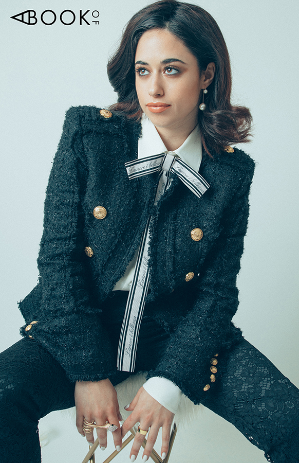 Blouse & Pants: Dolce & Gabbana, Blazer: Balmain, Earrings: Accessory Concierge, Ring: Kimsu, Snake ring: Vintage