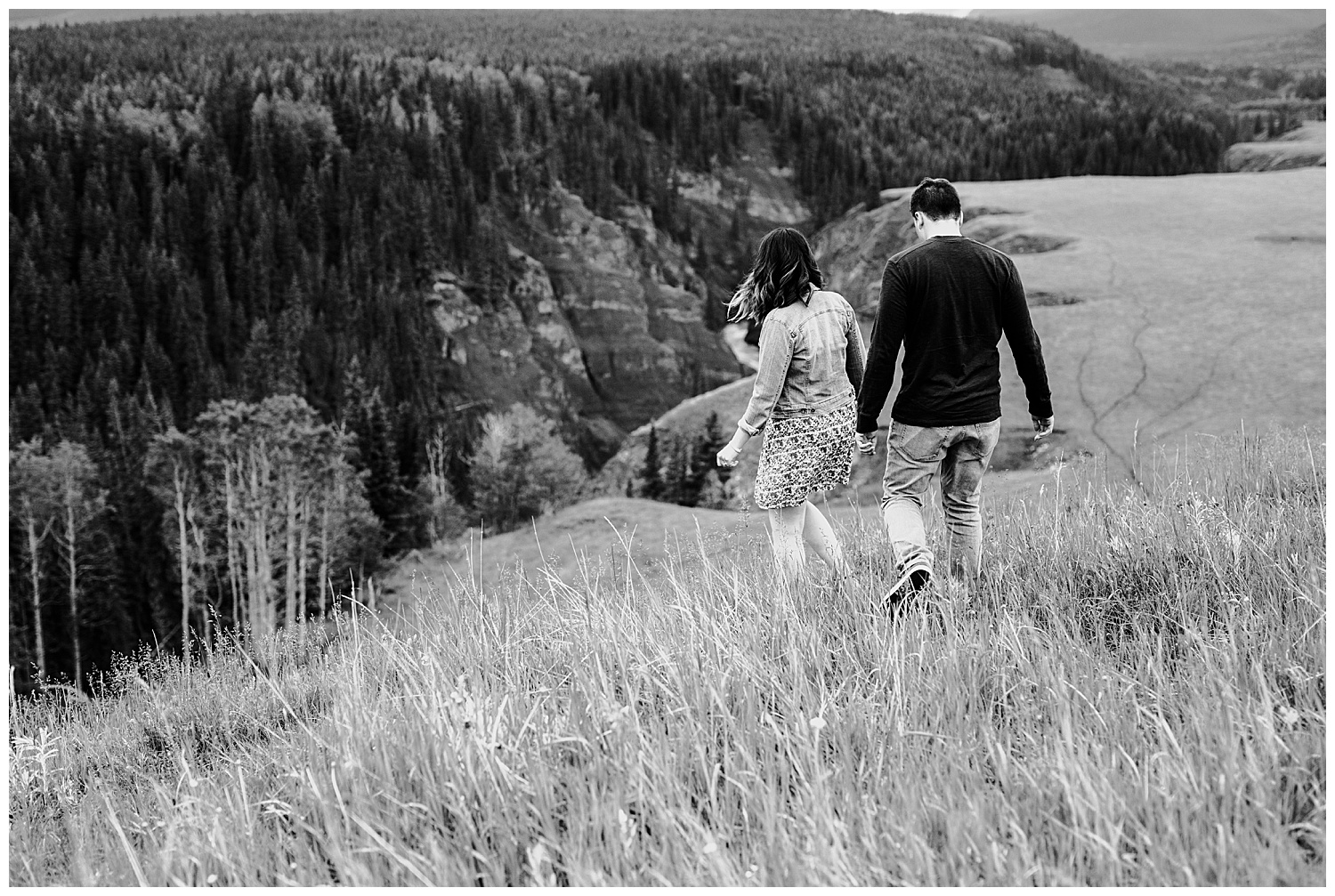 alberta-foothills-engagement-session-yyc