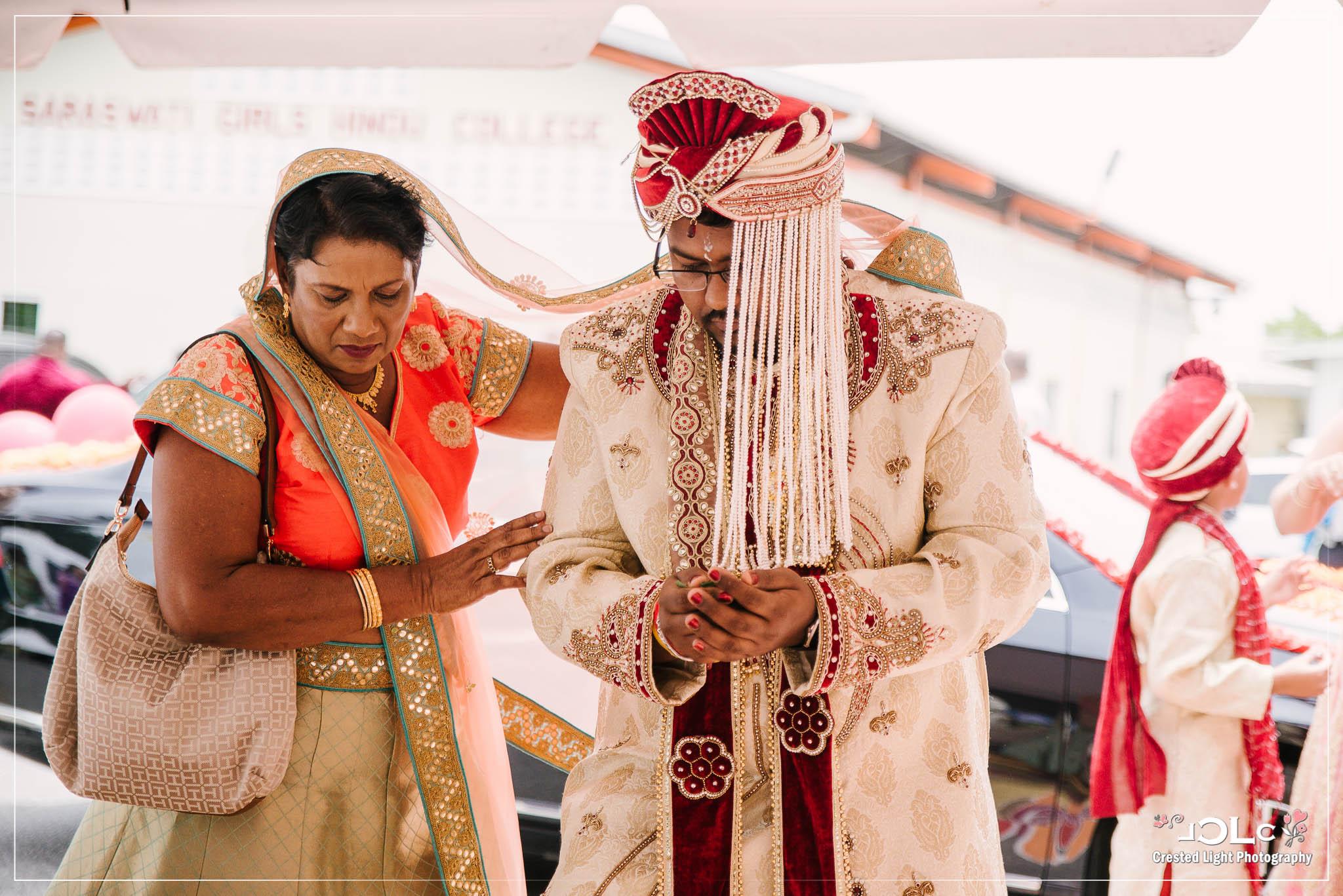 Devi mandir Trinidad Hindu wedding 09.jpg