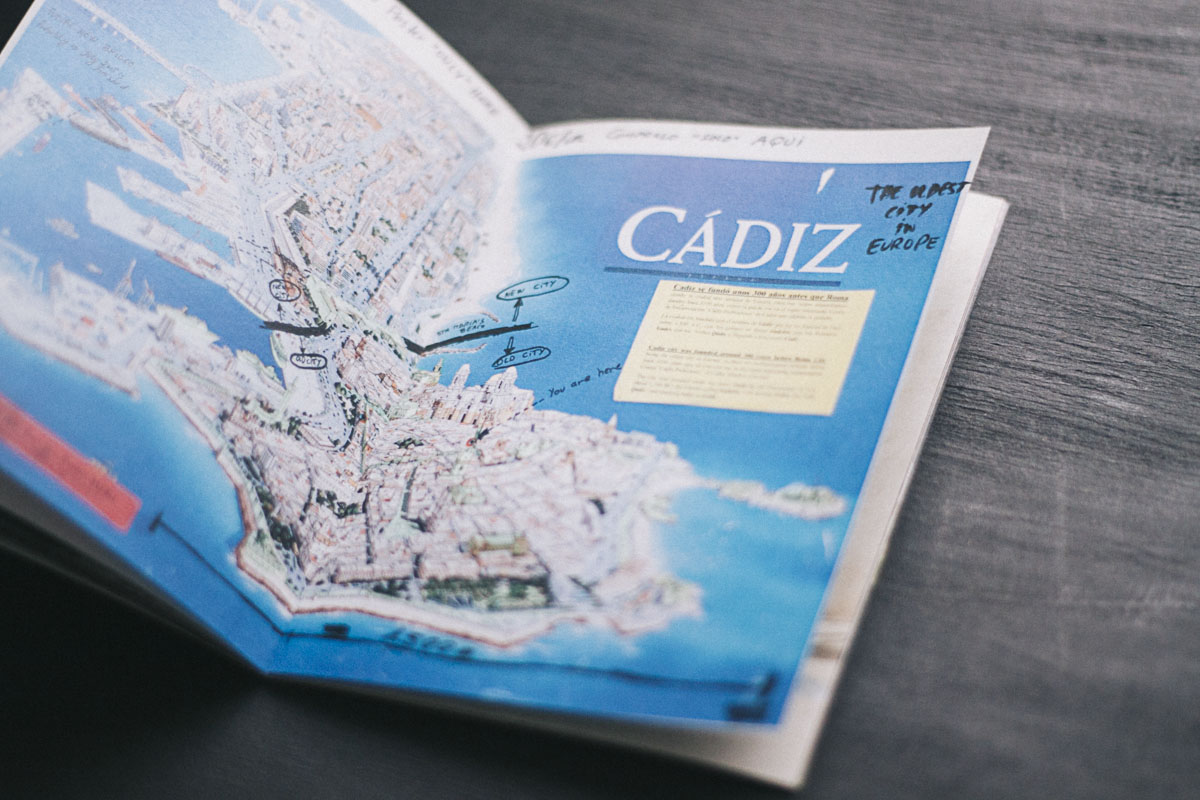Fotolibro  CÁDIZ, The Oldest City  de Ana Zaragoza editado por Caravanbook.