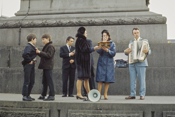 Trafalgar Square Christian Singers & Louts, London 1971
