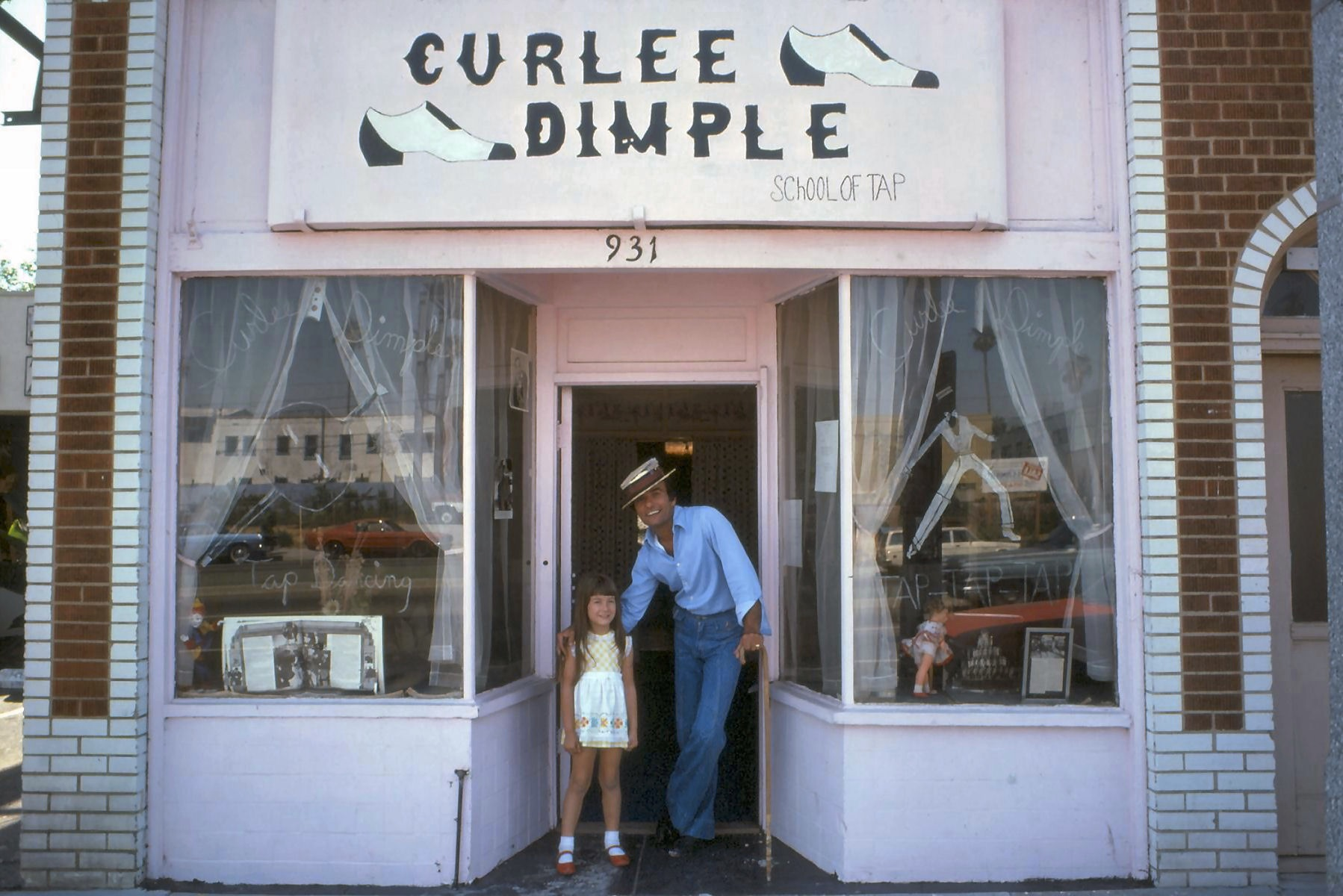 Curlee Dimple – Fairfax Avenue