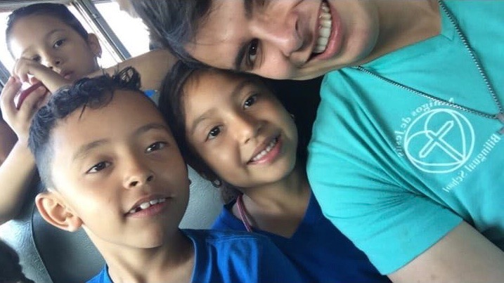 Profe Carlos with several of our students heading to the children's museum in San Pedro Sula this year.