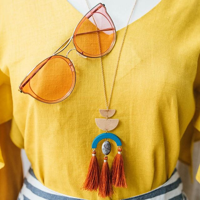 We are a l l  a b o u t accessorizing! Brighten up any look with bold geometric jewelry and some colored shades 😎 😎 😎⠀ ⠀ #instadc #igdc #dcfashion #dcfashionblogger #fashiondc #igersdc #upshurstreet #petworthdc #navyyarddc #theyards #yardsparkdc #capitolriverfront #dcshopping #dcstyle #acreativedc #mydccool #shoplocal #shopsmalldc #colormixing #ootd