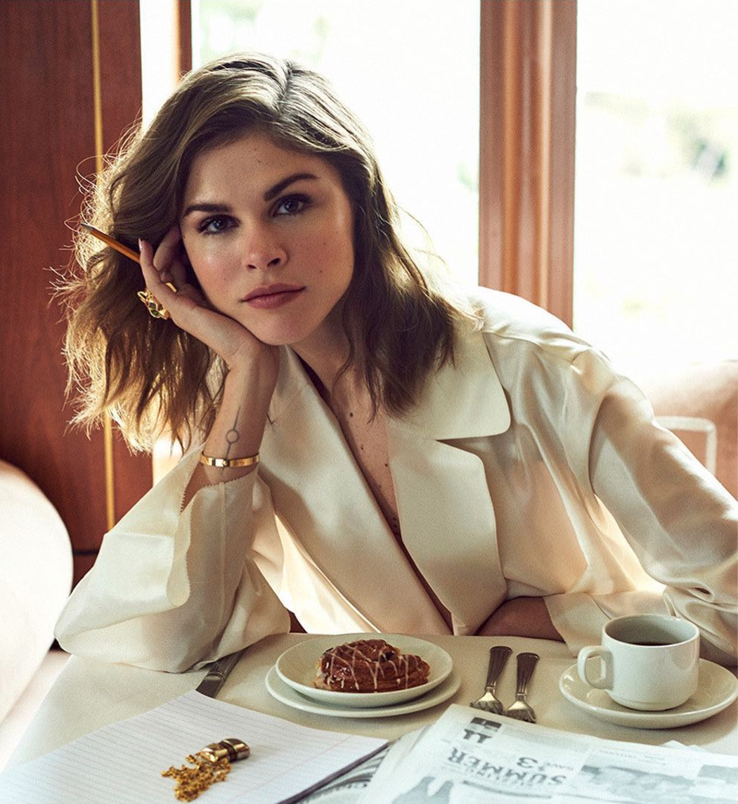 photo-of-emily-weiss-at-a-restaurantnbsp.png