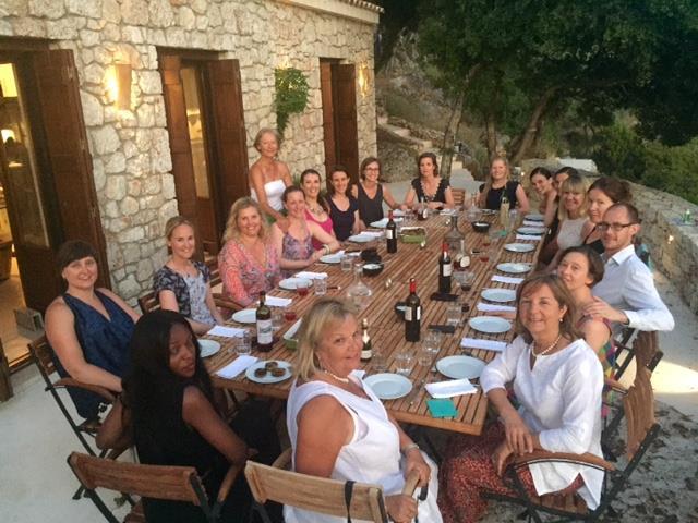 Itha+Dinner+group.jpg