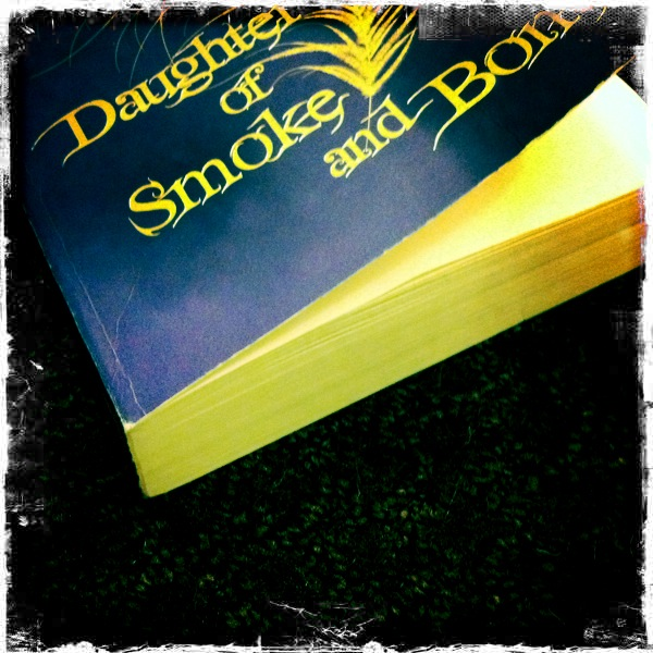 Laini Taylor - Daughter of Smoke & Bone.jpg