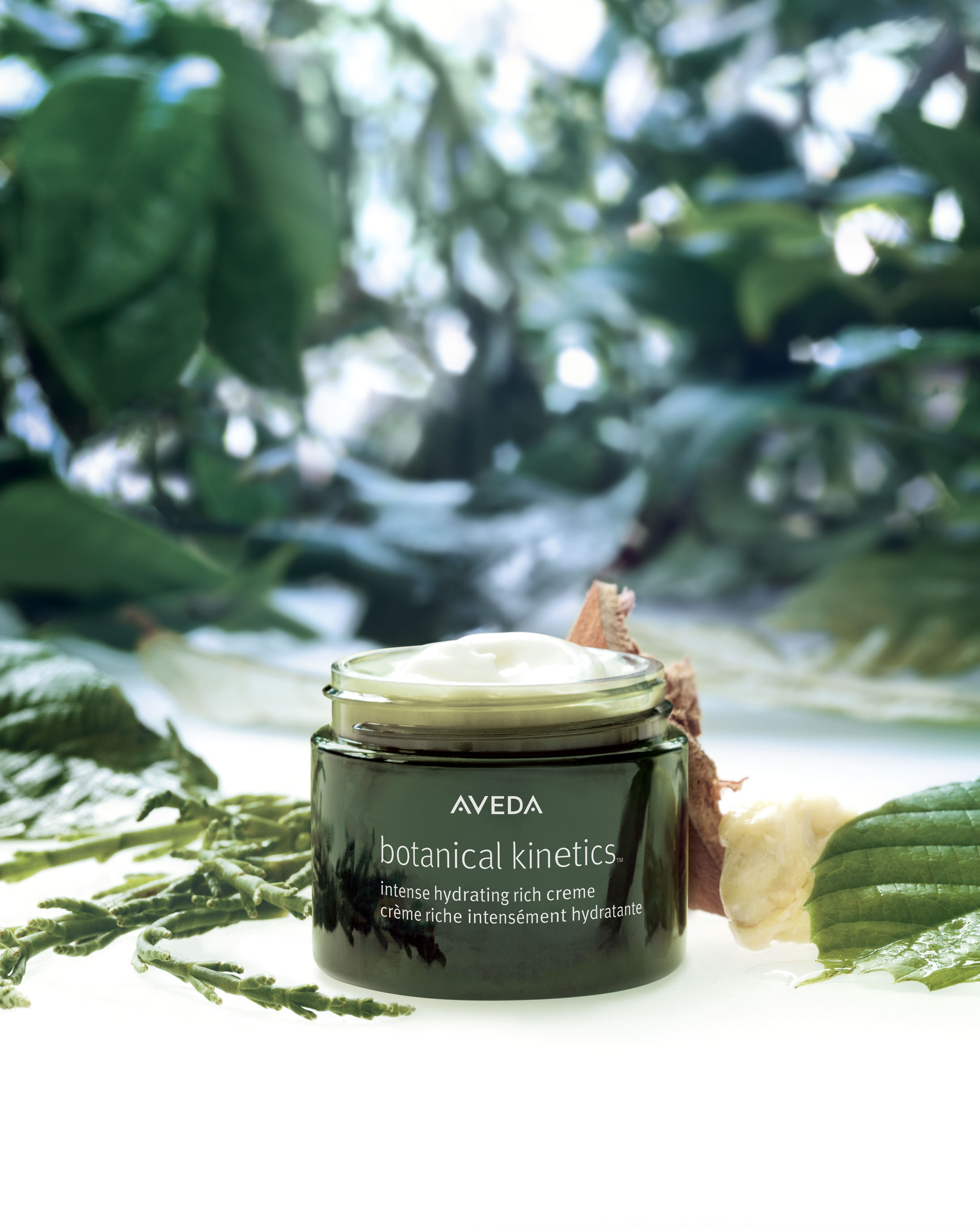 Botanical_Kinetics_Intense_Hydrating_Rich_Creme_stylized_product_image.jpg