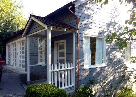 Blue_House_Porch - Copy.jpg
