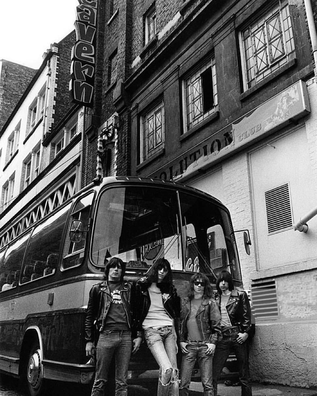 RamonesLiverpool1977CavernClub.jpg