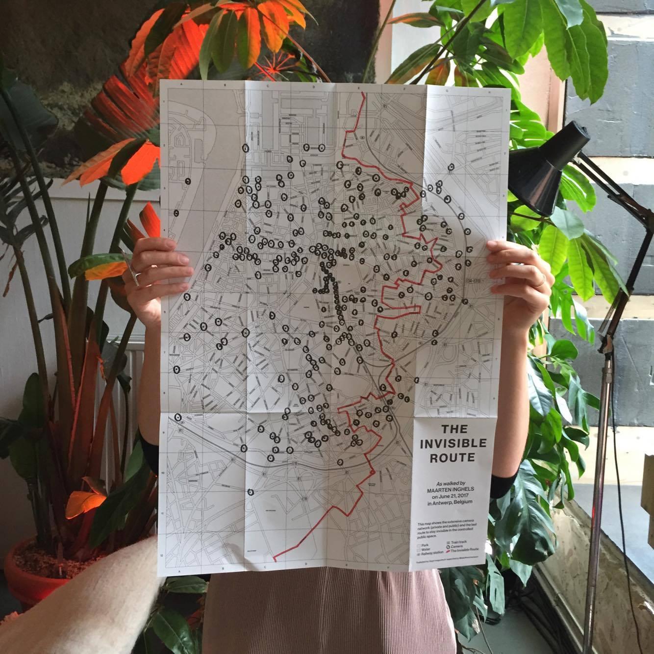 The Invisible Route exclusief als bijlage bij Oogst vol. 11 - TIR van schrijver en Antwerps stadsdichter Maarten Inghels zit als bijlage bij de nieuwe Oogst. Maarten schetst de laatste route door Antwerpen waar je nog ongezien paden kan bewandelen. Een abonnement op Oogst JG 3 hier, u ontvangt het nieuwe nummer + vol. 9 & 10 in a jiffy.