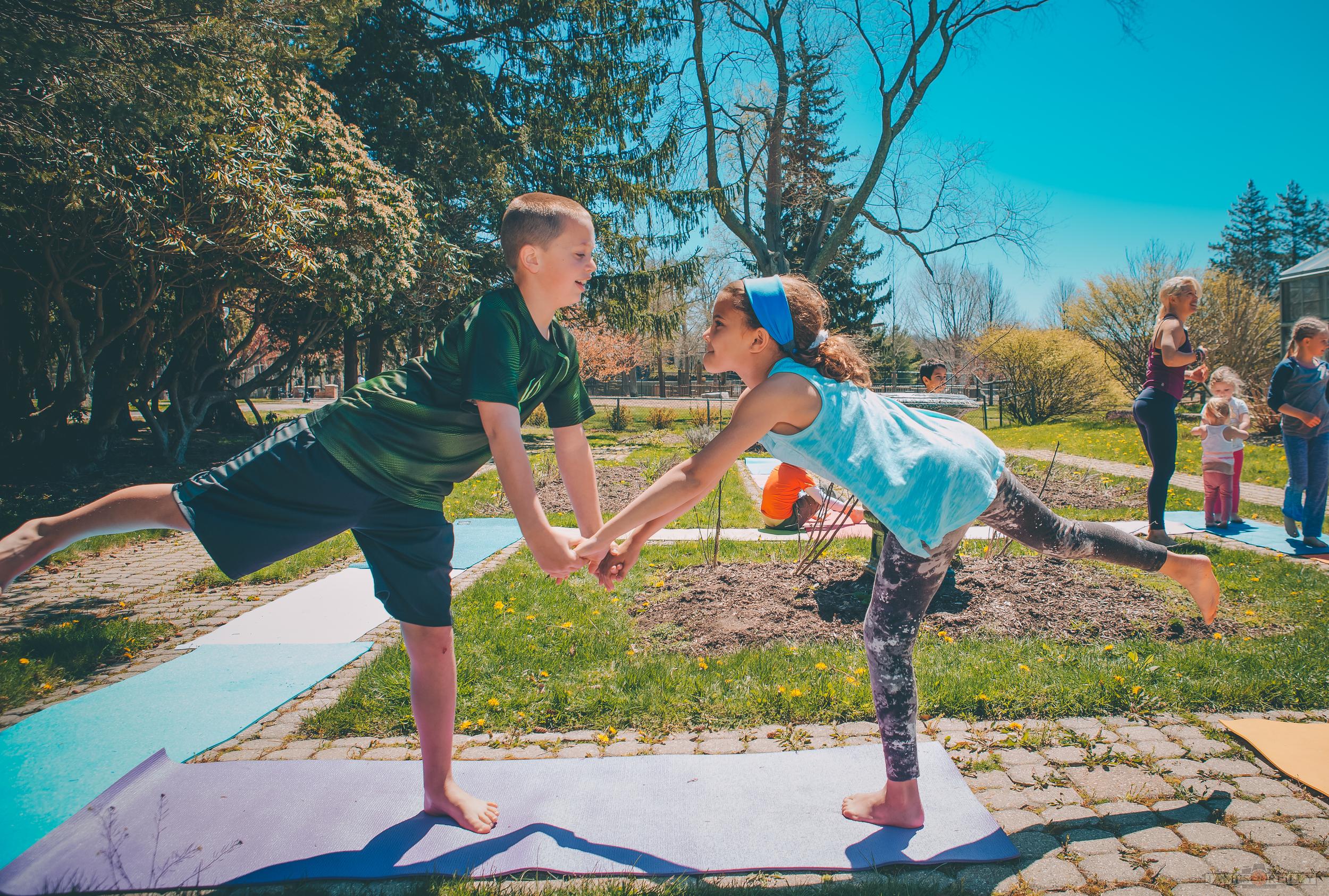 erin-yoga-kids-16.jpg