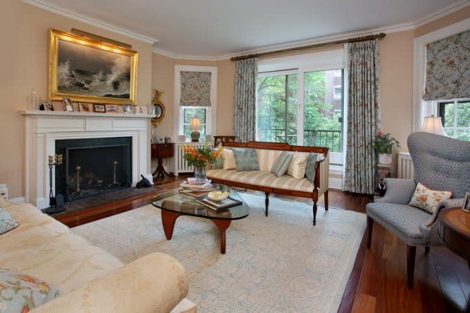 db_7_West-Hill-Place__Living-Room-Photo_800-M1.jpg