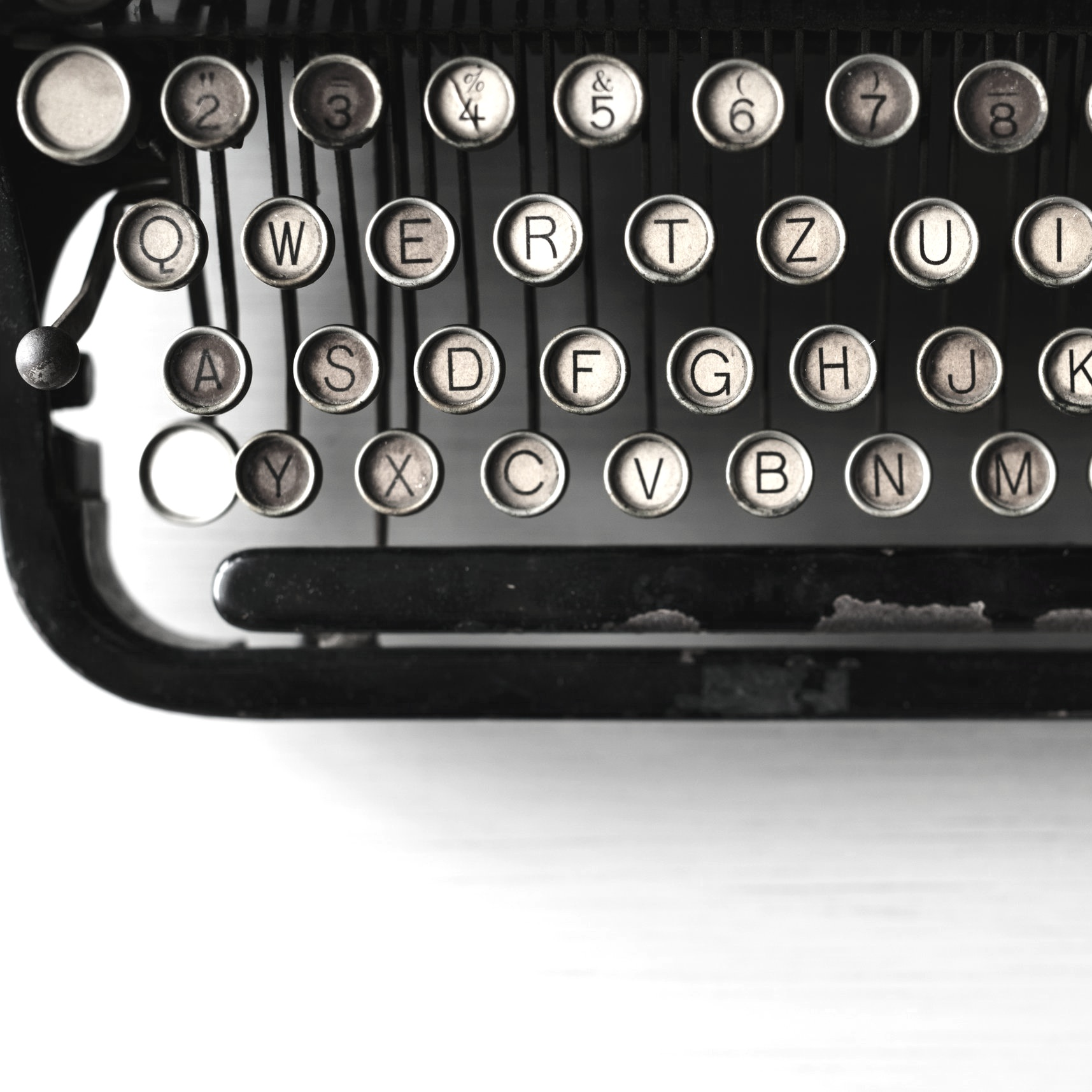 typewriter-unsplash.jpg