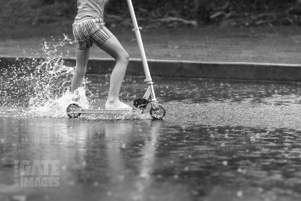 kids-playing-in-the-rain-4.jpg